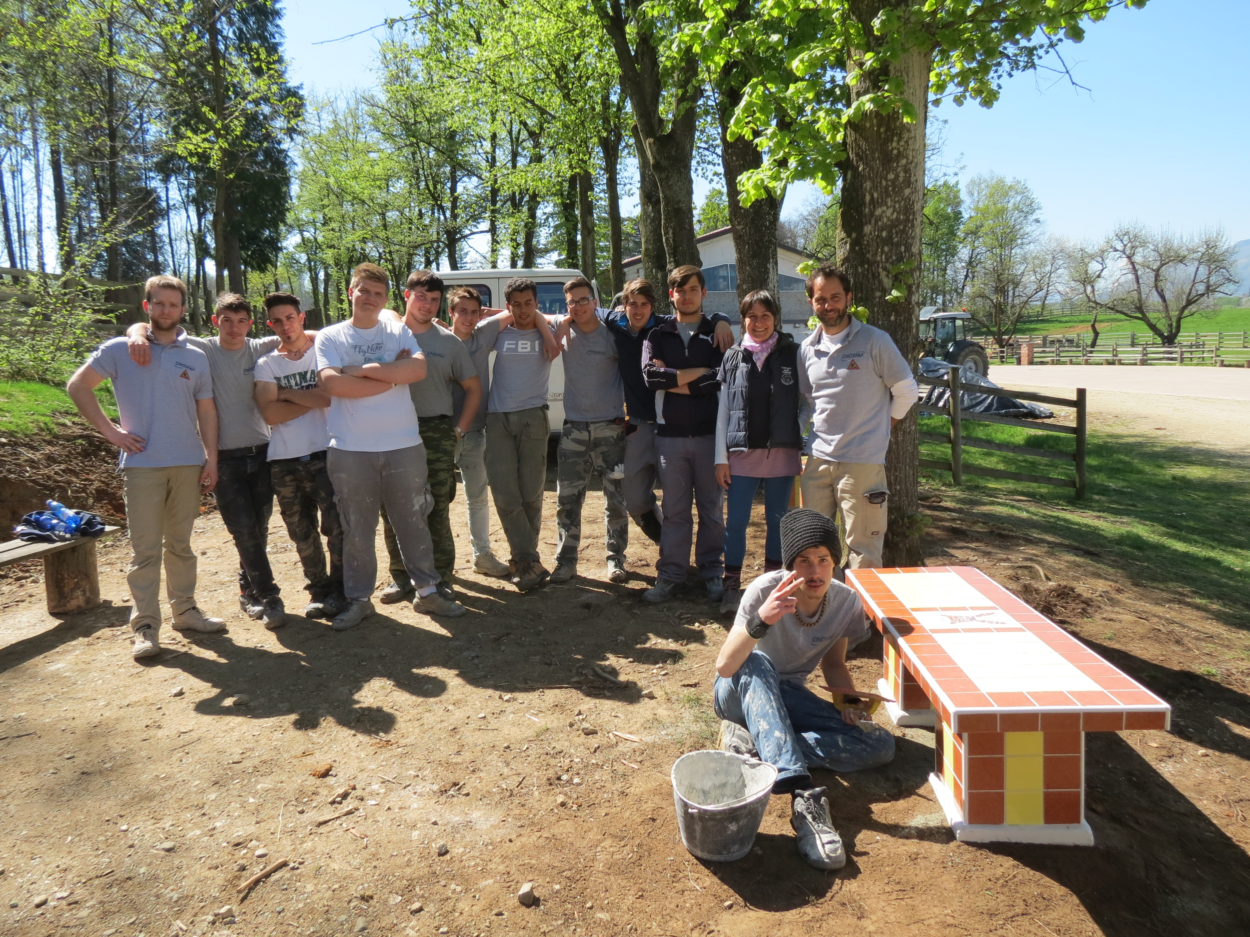 Students from CNOS-FAP professional school have built two ceramic benches for Il Rifugio